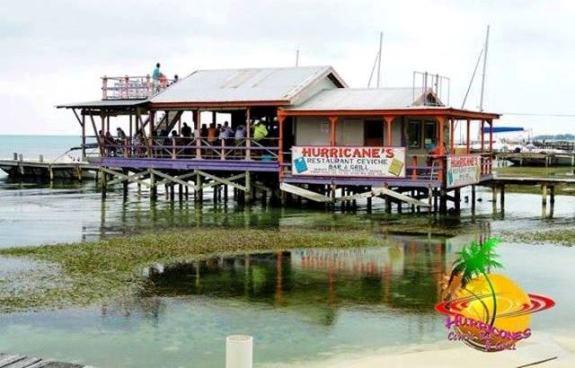 Hurricanes bar Ambergris Caye