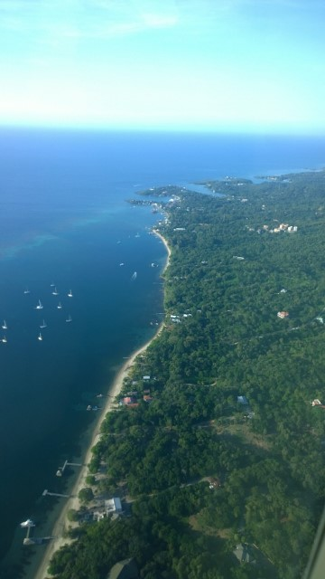 Tropic Air flight from Belize to Honduras