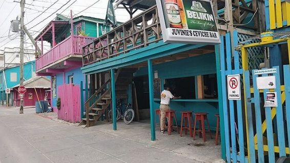 Juvinies Ceviche Bar