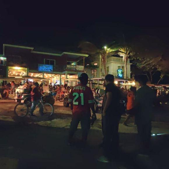 Beach road in Boca del Rio San Pedro