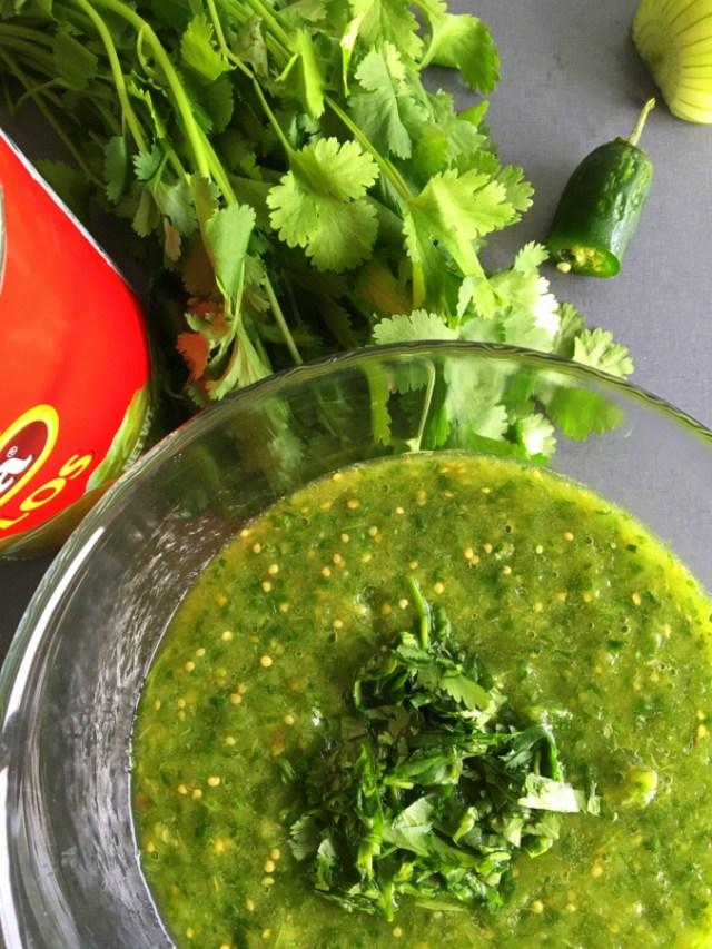 Grøn tomatillo salsa