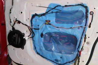 Toyota Camry speaker installation