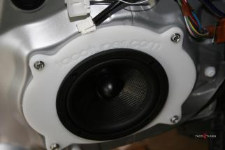 After market speakers installed in an FJ Cruiser