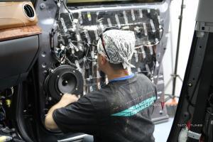 Tundra CrewMax 1794 Stereo Installer San Antonio TX