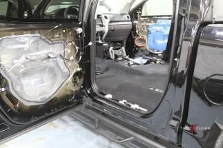 Toyota Tundra CrewMax Truck Teardown 1