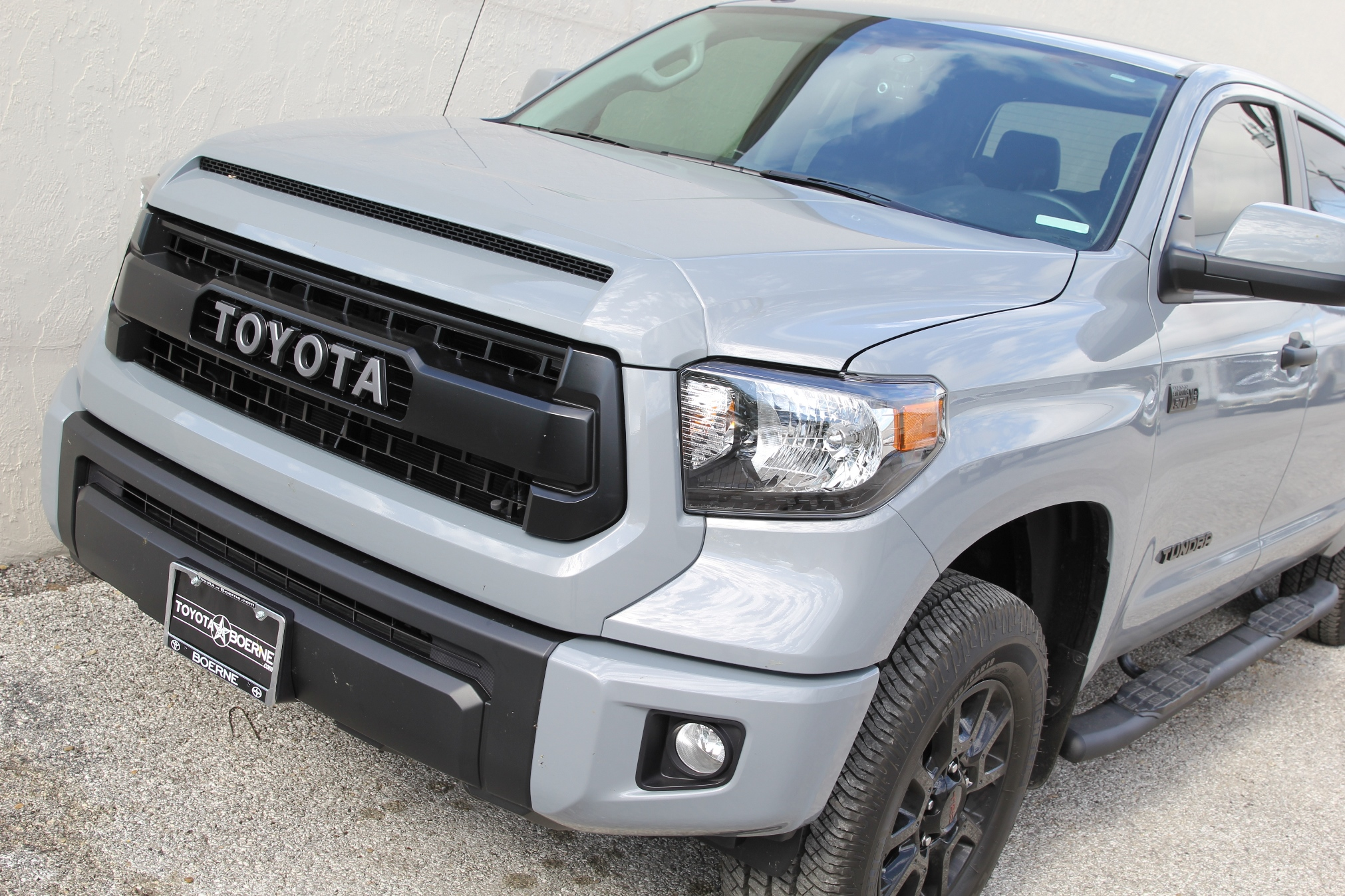 toyota tundra crewmax trd pro outdoor pictures 2017 3 taco tunes toyota audio solutions. Black Bedroom Furniture Sets. Home Design Ideas