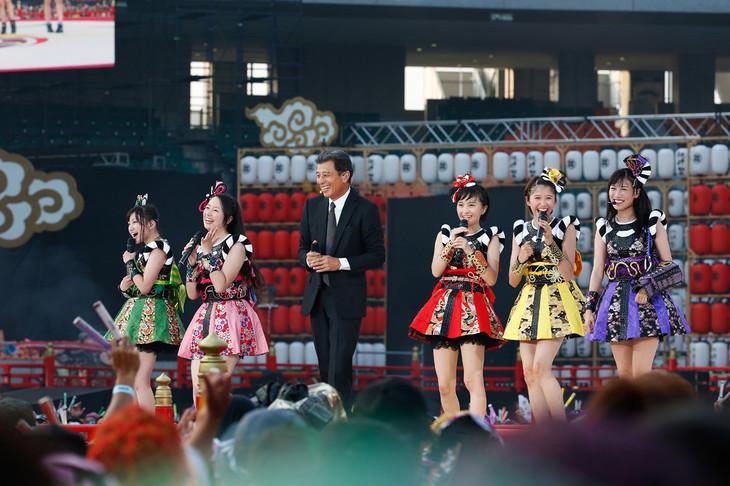 ナタリーより(Photo by HAJIME KAMIIISAKA+Z)