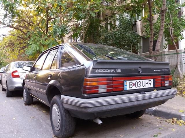 Opel Ascona 1.6 hatchback