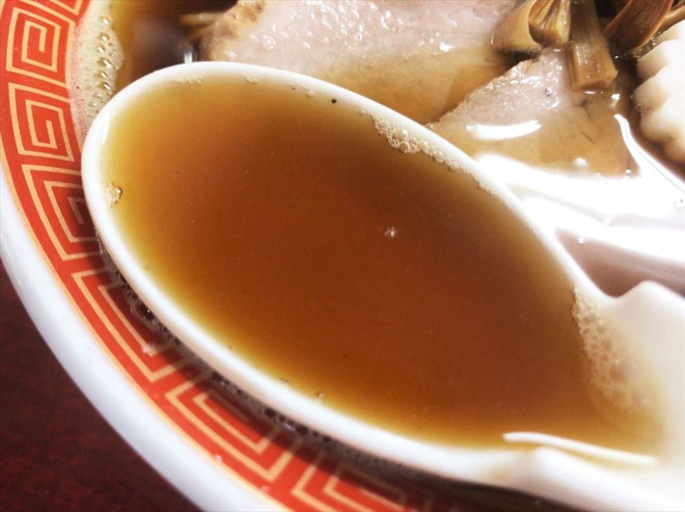 ラーメン 味佳「和風ラーメン」のスープ
