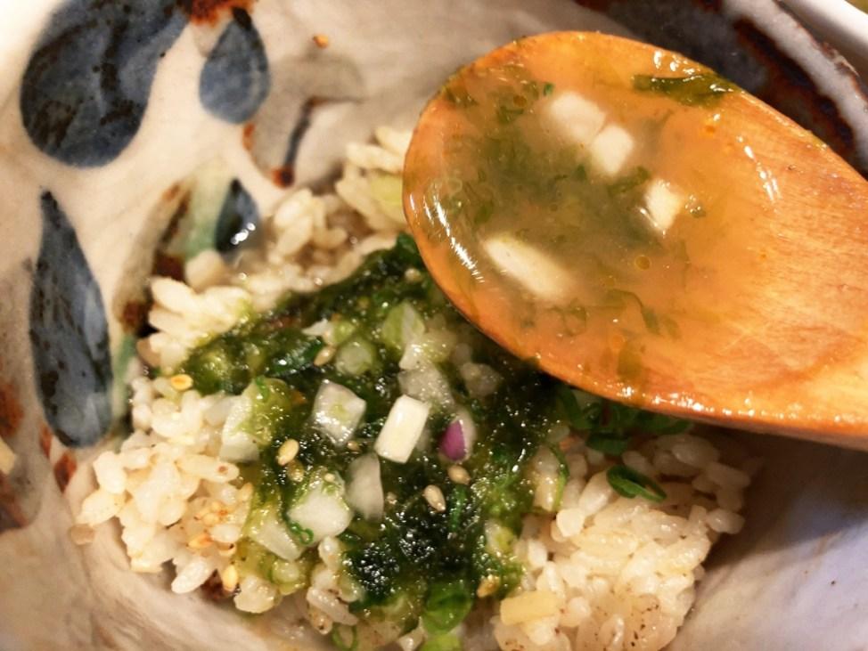 無化調お出汁麺 双本「浅利のお出汁で炊いた新生姜の炊き込みごはん」スープイン