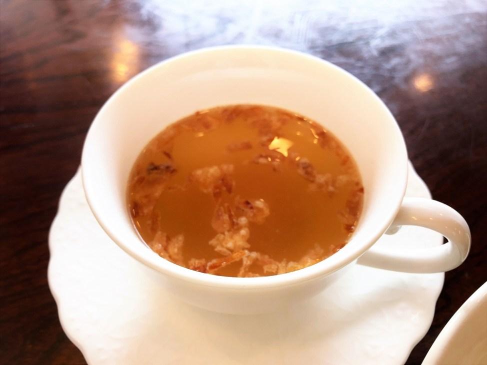 Moa「手作りハンバーグランチ」オニオンスープ