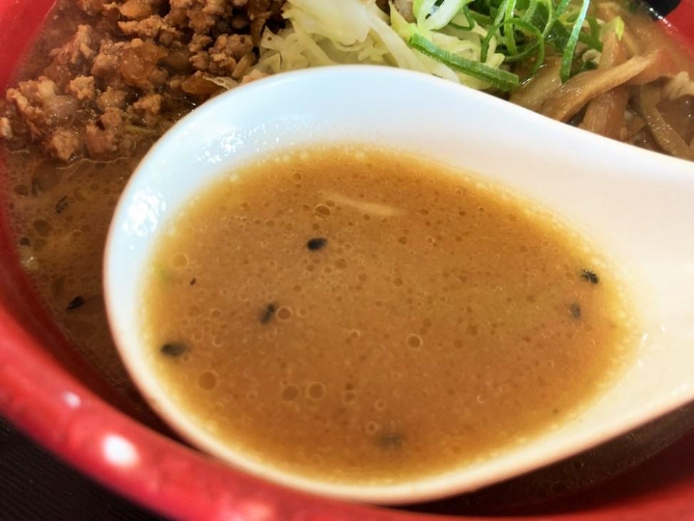 どさん子ラーメン 浜松シーサイド店「赤練」スープ