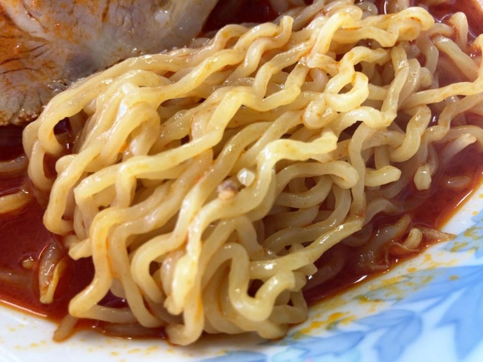 ラーメン 太郎「赤鬼ラーメン」麺