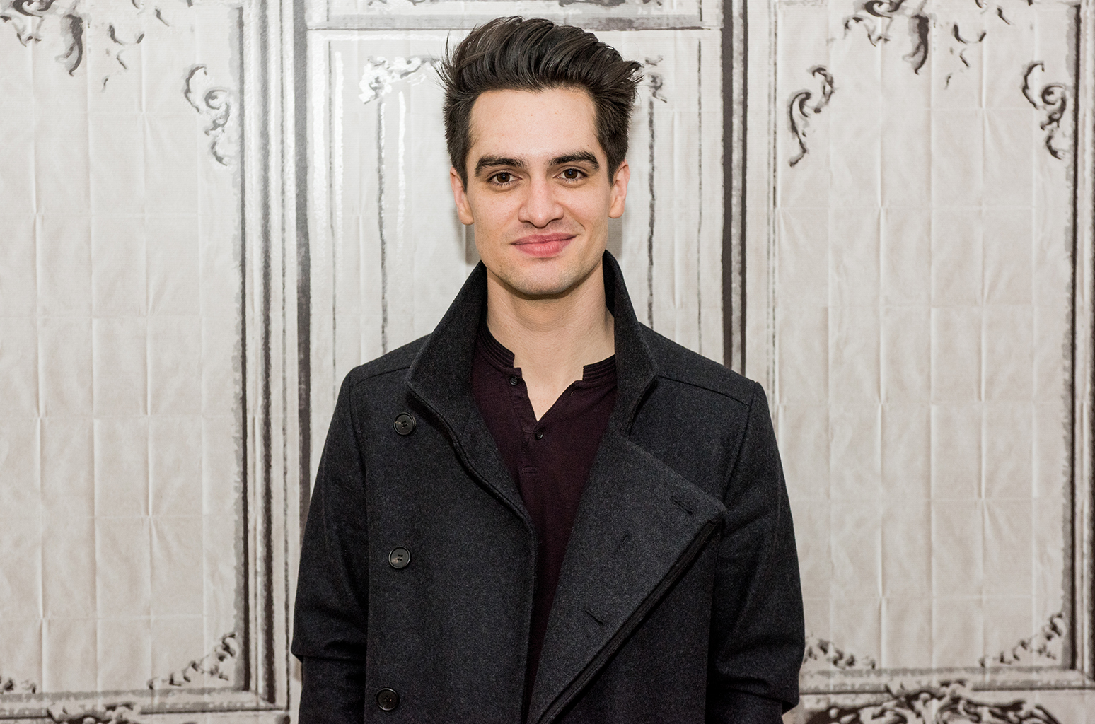 The 30-year old son of father (?) and mother(?), 175 cm tall Brendon Urie in 2018 photo