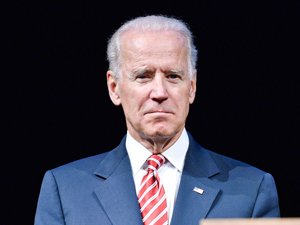 The 75-year old son of father (?) and mother(?), 174 cm tall Joe Biden in 2018 photo