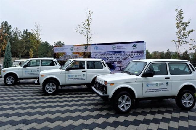 ФАО передала специальные автомобили лесным хозяйствам Узбекистана