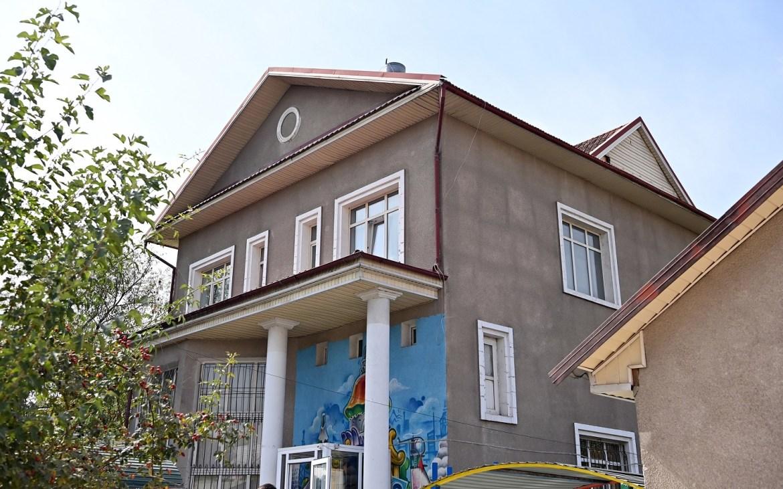 Дом президента Кыргызстана Жапарова продадут с молотка