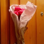 Viis punast roosi….