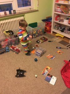 der kleine Prinz beim Spielen/tagaustagein