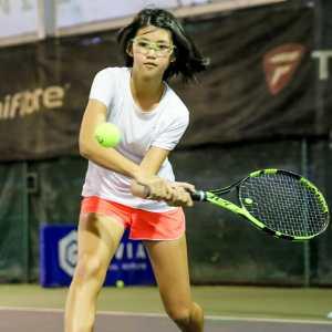 Julienne Goh - junior tennis player student of coach xt
