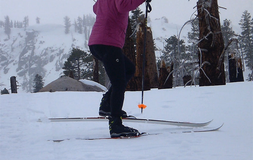 Side-step technique with cross-country skis