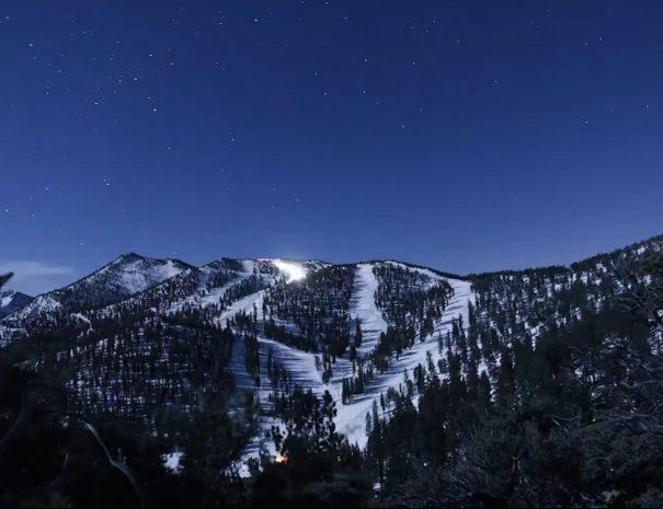 lake-tahoe-ski-runs-at-night