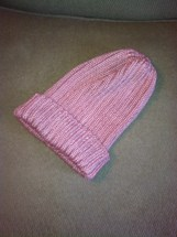 Simple beanie, ribbed, bamboo-silk blend, pink.