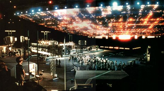 Aliens arrive in 'Close Encounters of the Third Kind'
