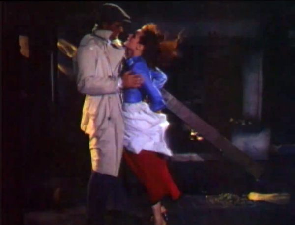 John Wayne kisses Maureen OHara in 'The Quiet Man'