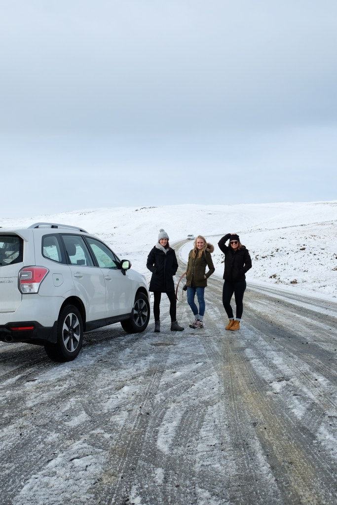 girls road trip in iceland