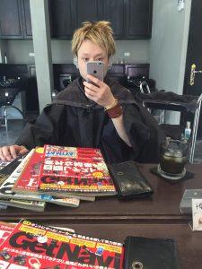 カープ美容師,ブリーチ,アッシュ,広島