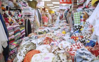 dadaocheng_inside yongle fabric market