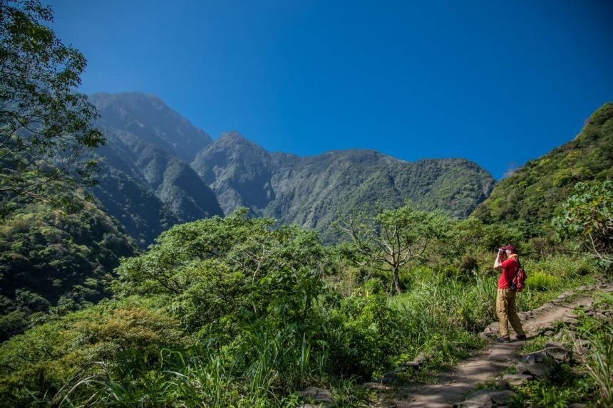 On the Zhuilu Historic Trail