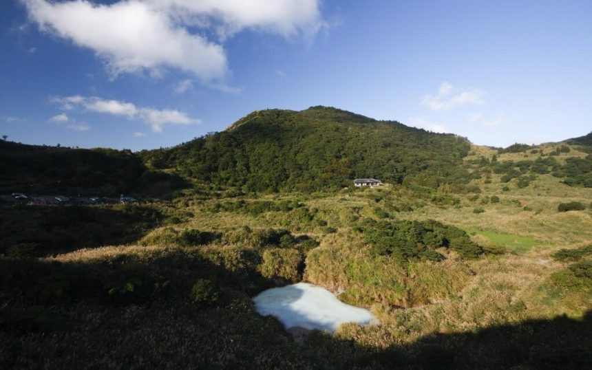 Taiwan Scene_Seven Star mountain_Lengshueikeng Recreation Area