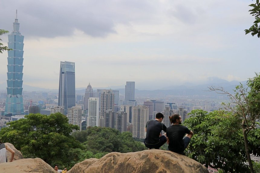 Moving-Mountains-An-Australian-Hiker-Moves-in-Taipei-03