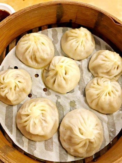 Crab roe soup dumplings (image source: Taiwan Scene)