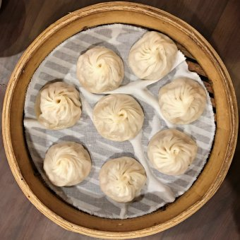 Mingyue offers really similar texture soup dumplings to Din Tai Fung. (image source: Taiwan Scene)
