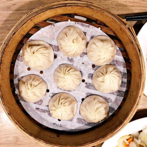 A basket of soup dumplings (image source: Taiwan Scene)