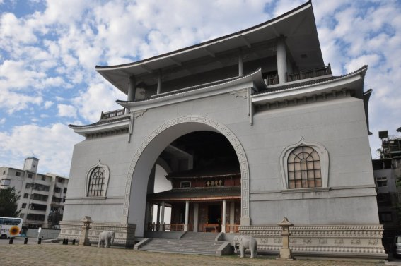 things-to-do-in-taichung-paocheh-temple