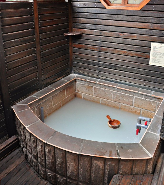 taiwan-scene-beitou-phoenix-pavilion-hot-spring-3