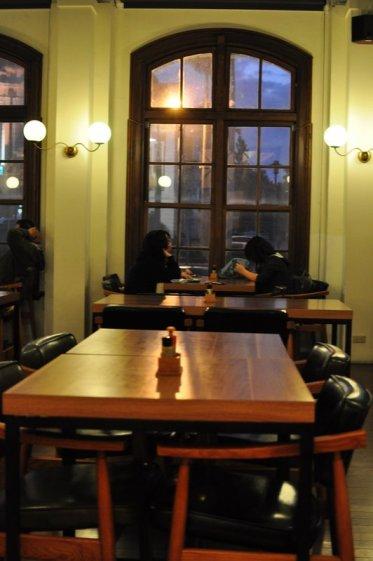 Taichung-attraction-Shiyakusho-cafe-1911