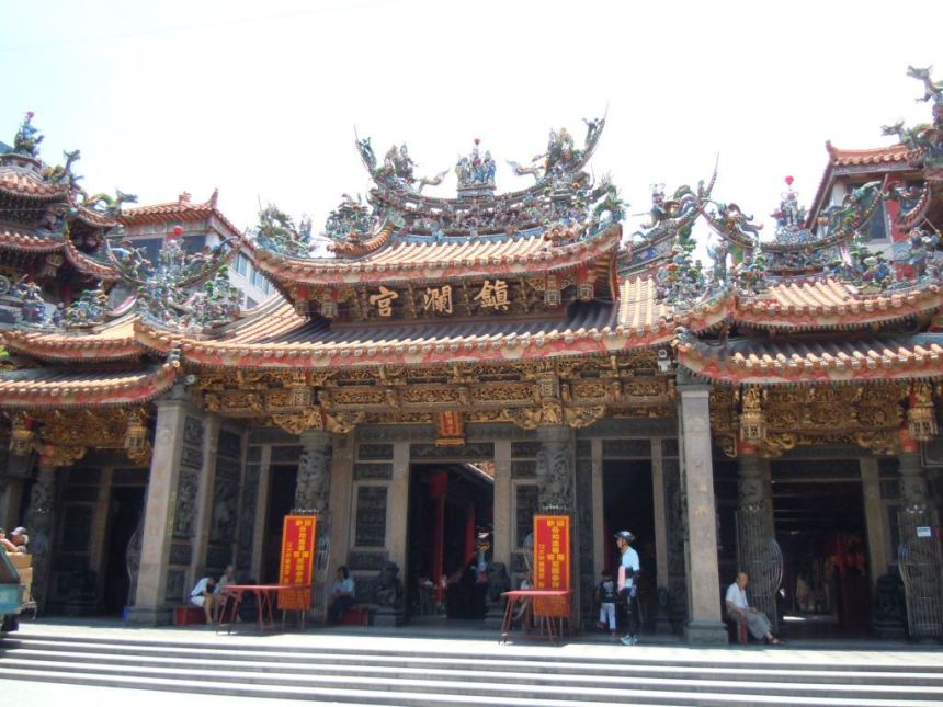 taichung-temple-the-dajia-jenn-lann-temple