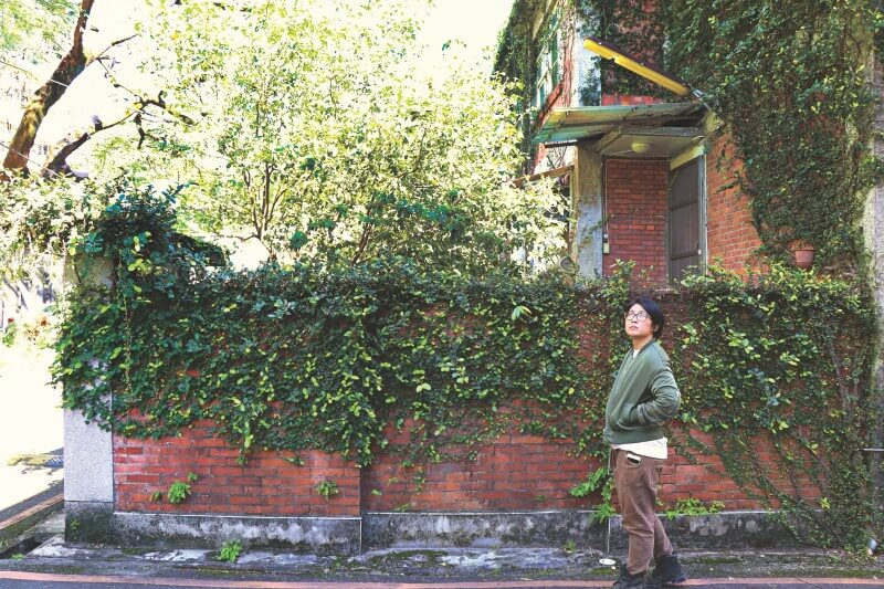 Huanan Village, where A Sun was filmed in Taipei, keeps the poetry of red brick architecture alive as the movie shows.