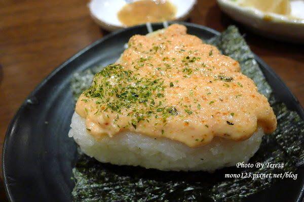 【台中北屯.日式料理】樂座炉端燒Rakuza Robatayaki.新鮮食材看得到,吃巧不吃飽的日式居酒屋