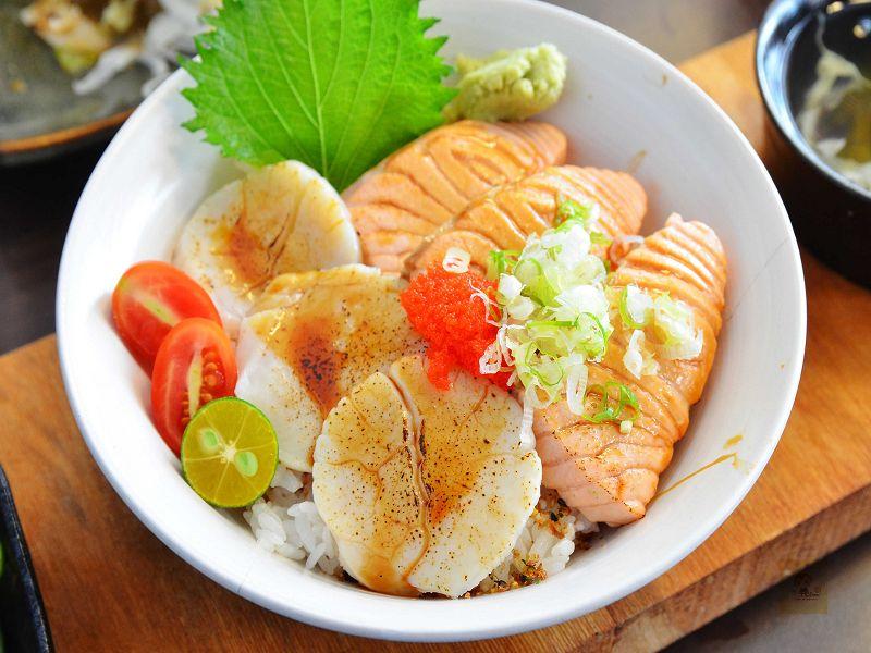 【台中西區】舞春日本料理~平價美味的海鮮丼飯推薦,鮮美的鮭魚丼、炙干貝鮭魚丼必點,另有燒烤及握壽司,近勤美誠品綠園道、SOGO百貨