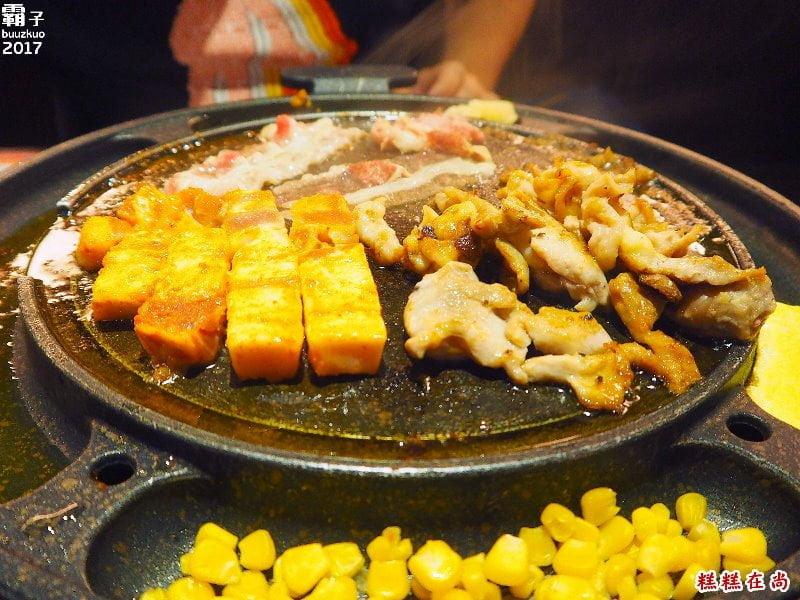 糕糕在尚韓國烤肉,20幾種食材吃到飽~