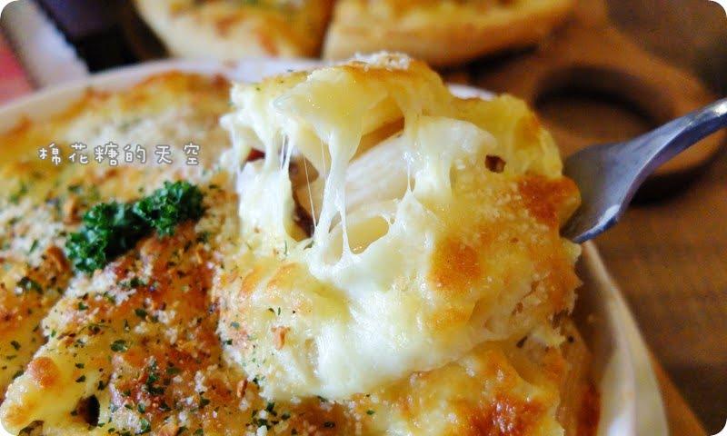 熱血採訪||中科商圈高CP值-生活Pasta~焗烤筆管麵香濃美味、料多到爆炸的海鮮Pizza收服大人小孩的心!還有沙拉吧可以吃到飽耶~