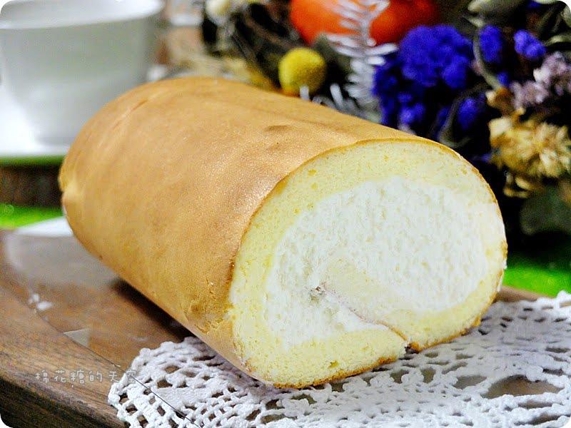 熱血採訪||日本電視冠軍監製北海道生乳捲就在台中馥漫麵包花園!入口即化的鮮奶油、日本麵粉製作的輕柔麵包~每一口都是感動啊!