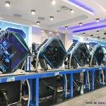 台中大里│吉吉網路生活館-大里店。號稱台中最狂電競網咖,49吋大螢幕讓你身歷其境!