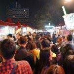 臺中公園燈會夜市50多攤懶人包│新開幕人潮大爆滿